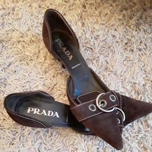 Prada brown suede kitten heels